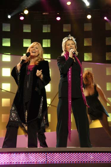 BOBBYSOCKS2005c